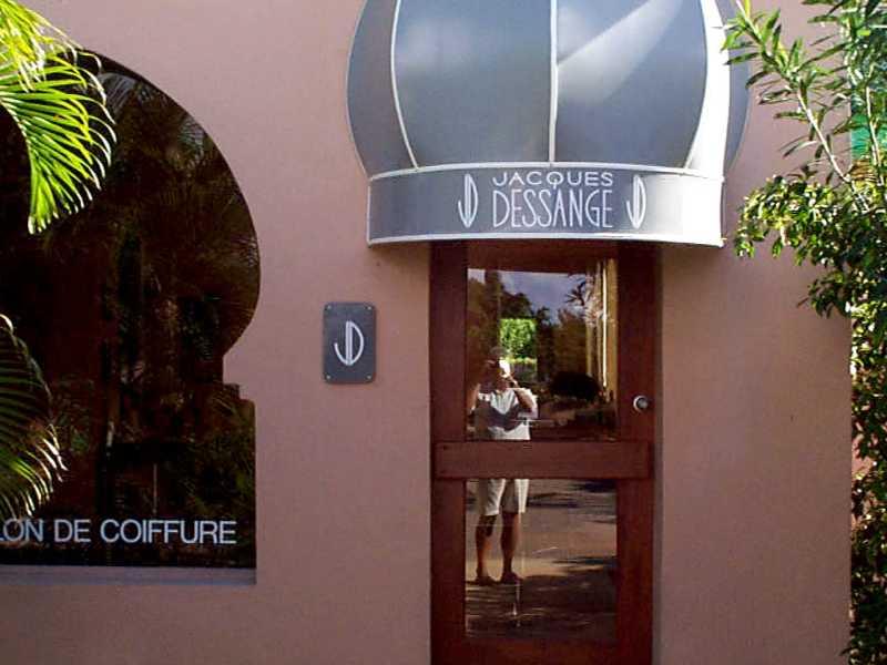 Dessange salon for Dessange hair salon